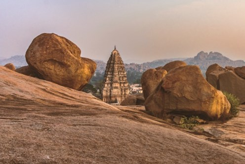 A mini-guide to Hampi, an ancient world of Rocks & Ruins